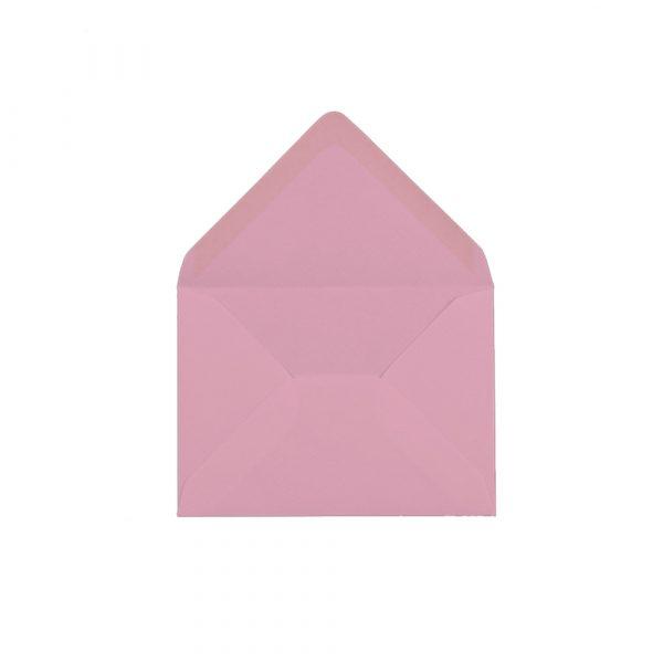 C6 izmēra aploksne, pasteļu rozā, ar trijstūra veida aizdari
